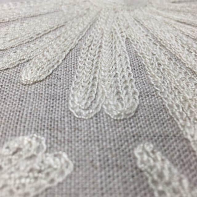 LL5041 立体的な刺繍